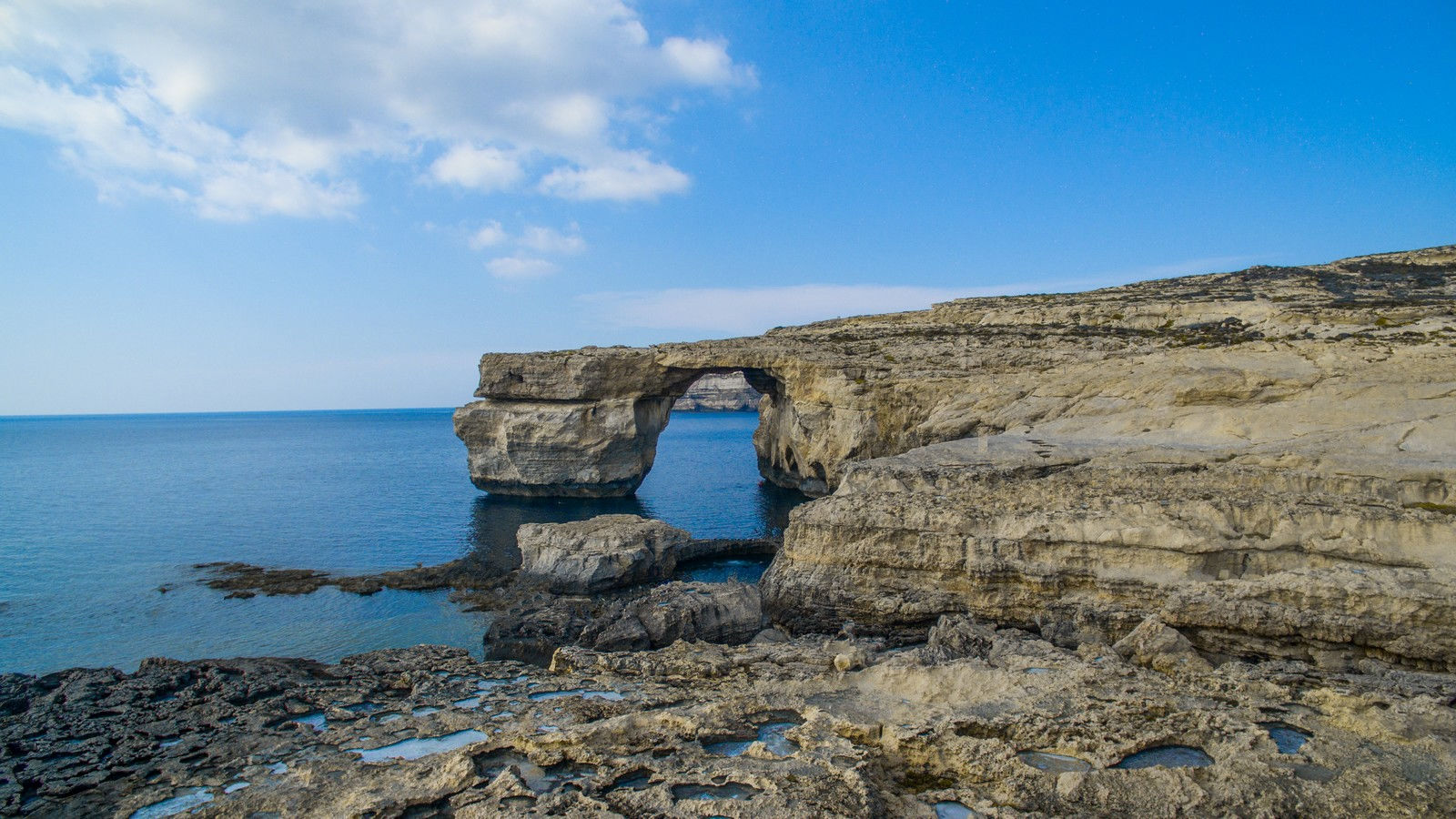 See and discover the Azure Window